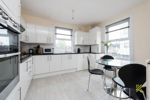 3 bedroom flat to rent - Woolwich Road, Greenwich, London, SE10