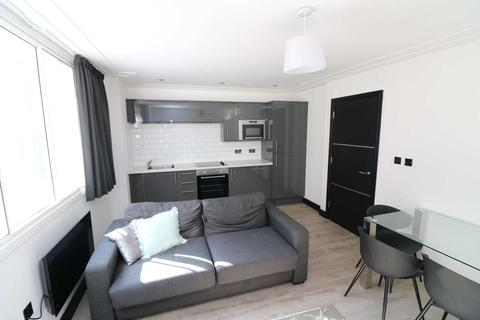 2 bedroom apartment to rent - North House, Liverpool
