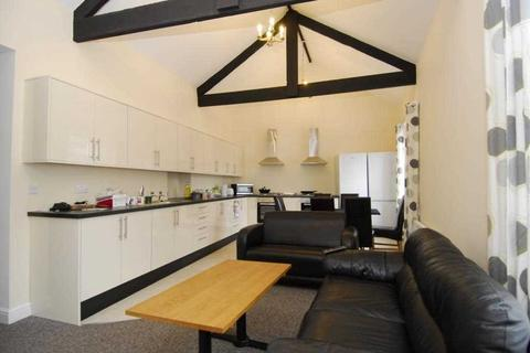 6 bedroom property to rent - Vauxhall Street, Plymouth