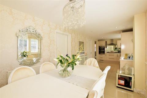5 bedroom detached house for sale - Bradbrook Drive, Longfield, Kent