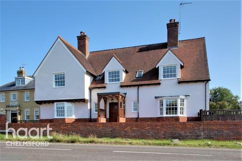 5 bedroom detached house to rent - South Hanningfield Road