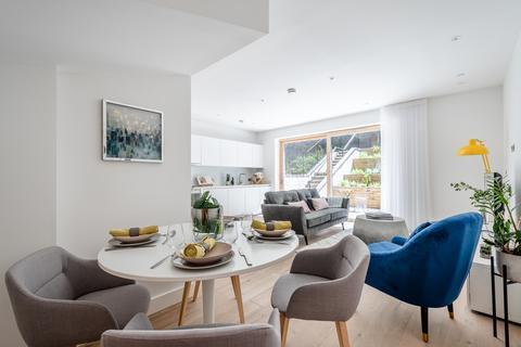 2 bedroom duplex - Wyles House, Prodigal Square, Hackney Gardens, London, E8