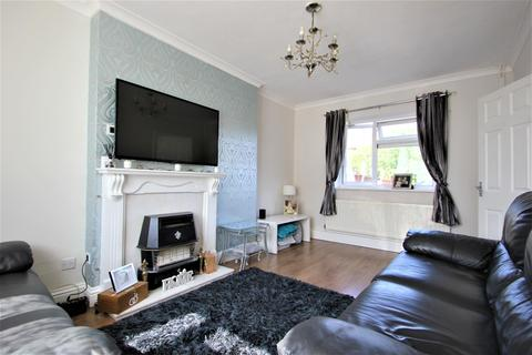 2 bedroom terraced house for sale - Cross Road , Collier Row , Essex, RM7 8EA