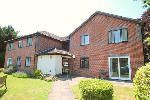 1 bedroom flat for sale - The Doultons, Octavia Way, Staines-Upon-Thames, TW18