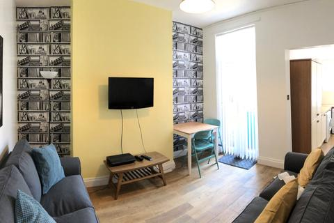 4 bedroom terraced house to rent - Halsbury Road, Liverpool, Merseyside, L6