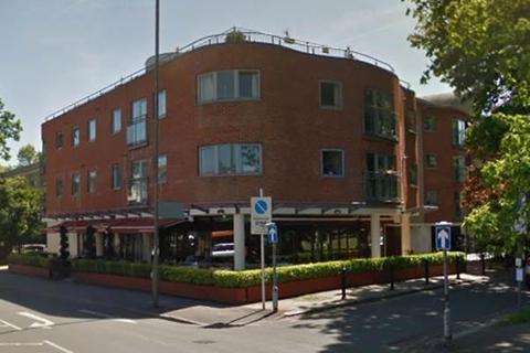 2 bedroom flat for sale - Kings Court, Walton-On-Thames, KT12