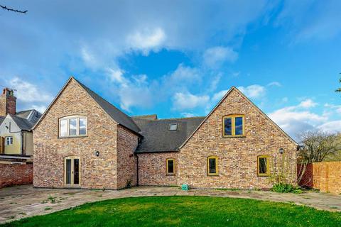 4 bedroom barn conversion for sale - Yoxall Road, Hamstall Ridware