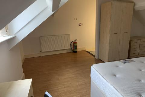 5 bedroom terraced house to rent - 86 Mansel Street