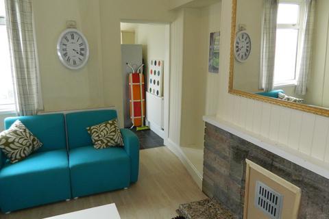 5 bedroom terraced house to rent - 19 Rhondda Street