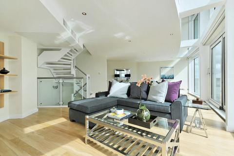 2 bedroom flat to rent - Cinnabar Wharf West, Wapping High Street, Wapping, London, E1W