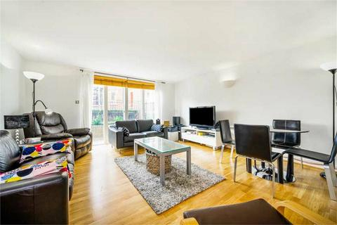 2 bedroom flat for sale - Larch Court, Admiral Walk, London