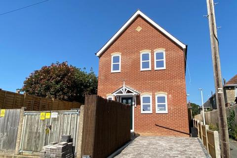 2 bedroom detached house for sale - Phyldon Road, Parkstone, Poole, BH12 3DQ