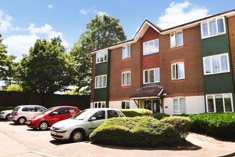 1 bedroom flat for sale - Missenden Gardens, Burnham, SL1