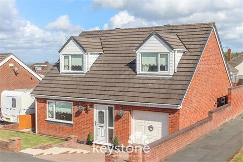 3 bedroom detached bungalow for sale - Broadway, Connah's Quay, Deeside. CH5 4LR