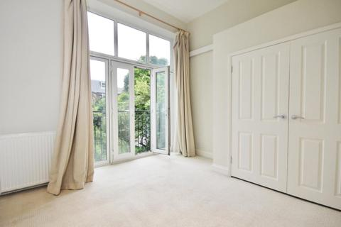 2 bedroom apartment to rent - Sinclair Road, West Kensington, London, W14