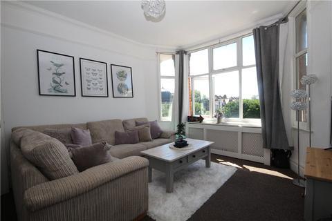 2 bedroom apartment - Gleneldon Road, London, SW16