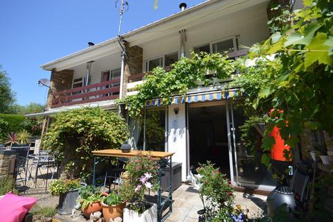 3 bedroom terraced house to rent - Desborough Close, Shepperton