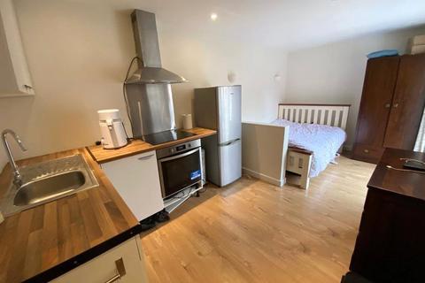 Studio to rent - Hopper Vale, Bracknell, Berkshire, RG12