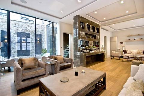 3 bedroom house to rent - Ennismore Gardens Mews, Knightsbridge,, London, SW7