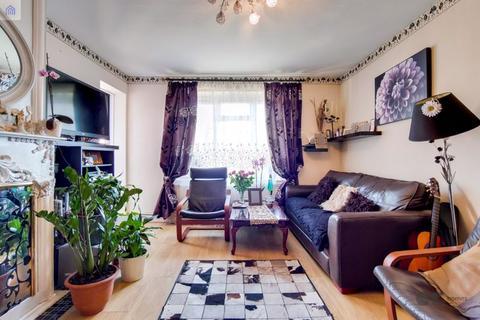 3 bedroom apartment for sale - Vanbrugh House, Loddiges Road, E9
