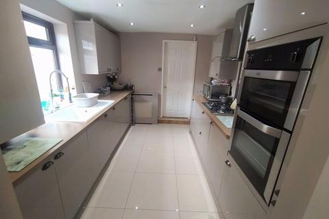 3 bedroom end of terrace house for sale - Margaret Road, Liverpool