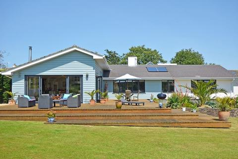 5 bedroom bungalow for sale - Dozmere, Feock - Sea View and Minutes from the Beach