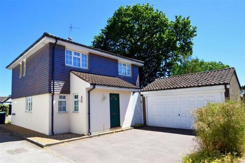 4 bedroom detached house to rent - Oakleigh Rise, Epping