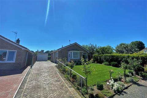 2 bedroom detached bungalow for sale - Windsor Drive, Grantham