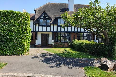 6 bedroom semi-detached house to rent - Grange Crescent, Chigwell, IG7