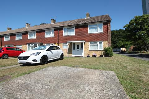 3 bedroom end of terrace house for sale - Warburton Road, Southampton, SO19 6HR