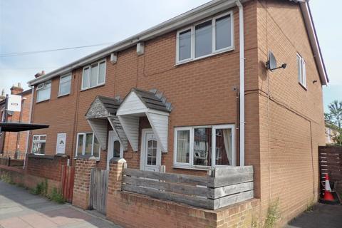 2 bedroom terraced house for sale - Wenlock Road, Simonside, South Shields, Tyne and Wear, NE34 9BA