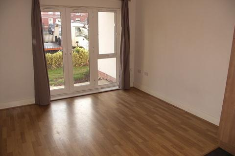 1 bedroom flat to rent - Beaumont Court, Abercromby Avenue, High Wycombe, HP12 3GW