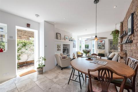 2 bedroom apartment to rent - Harvist Road, London, NW6