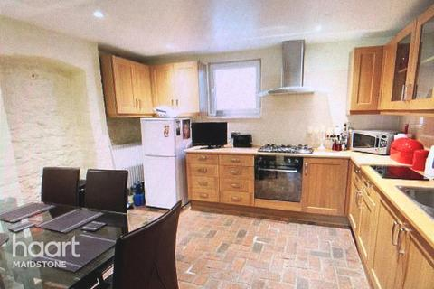 4 bedroom semi-detached house for sale - Prospect Place, Maidstone