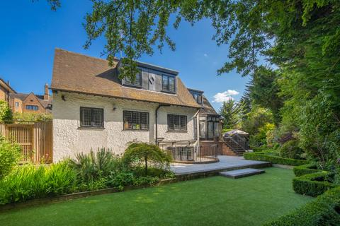 4 bedroom detached house for sale - Wellgarth Road, Hampstead Garden Suburb, London, NW11