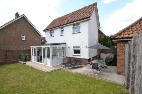2 bedroom semi-detached house for sale - Bowfell Drive, Langdon Hills, Basildon, Essex, SS16