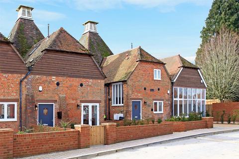 2 bedroom maisonette for sale - Oast Lane, Upper Froyle, Alton, Hampshire, GU34