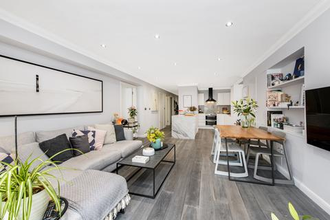 2 bedroom flat for sale - Gilbey House, 38 Jamestown Road, London, NW1