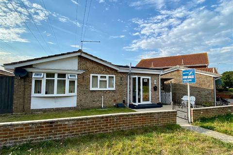 2 bedroom detached bungalow for sale - Falconer Drive, HAMWORTHY, Poole, Dorset