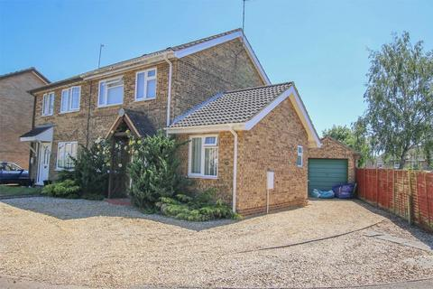 3 bedroom semi-detached house for sale - South Wootton