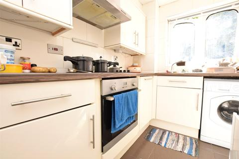 1 bedroom apartment to rent - Frazer Close, ROMFORD, RM1