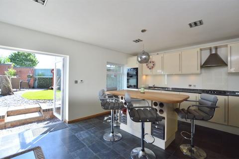 4 bedroom detached house for sale - Cantors Court, Bishops Cleeve, Cheltenham