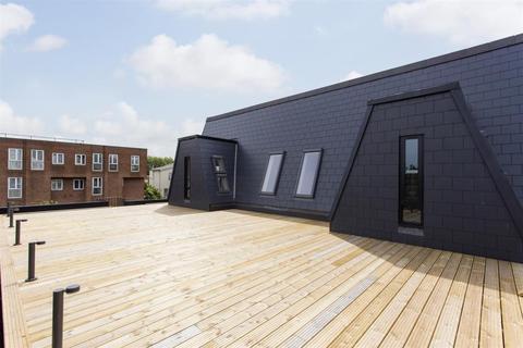 2 bedroom flat to rent - Stoke Newington High Street, Stoke Newington, N16