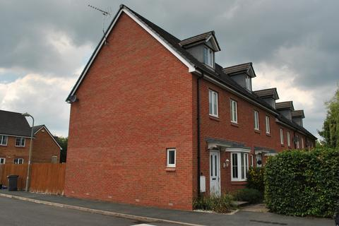 4 bedroom townhouse to rent - Mare Close, Whitchurch, Shropshire