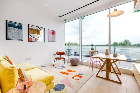 2 bedroom flat for sale - Apt Living, Great West Road, TW8