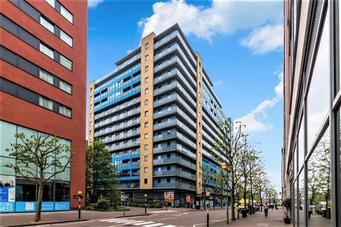 2 bedroom flat to rent - Western Gateway, Excel, London, E16 1BN