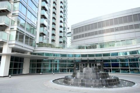 Studio to rent - Pan Peninsula West, South Quay, Canary Wharf, London, E14 9HJ