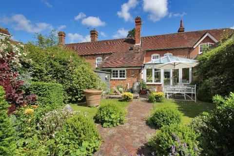 3 bedroom semi-detached house for sale - Home Farm, Water Lane, Hawkhurst, Kent, TN18 5DL