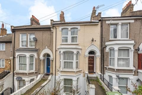 3 bedroom terraced house for sale - Ripon Road London SE18