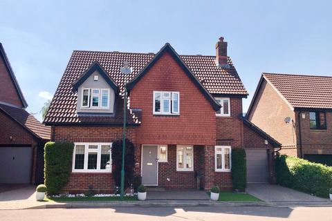 4 bedroom detached house for sale - Cypress Tree Close, The Hollies, Sidcup, DA15